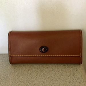 Coach Rogue Glove Tanned Leather Turnlock Wallet